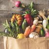 寿命を伸ばす vs 縮める食べ物