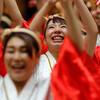 後方で演舞の踊り手を撮れたか:YOSAKOI高松祭り撮影、爺の課題(3)