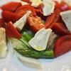 トマトとシェーブルとアスパラのサラダ