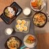 シーフードグラタン(ほうれん草、ネギ)、ゆでたまご、キャベツと人参の蒸し煮