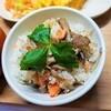 鮭としらすの炊き込みご飯の作り方。