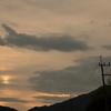 山の日に落ちる陽