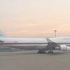 安倍首相政府専用機B747-47Cで北京に到着