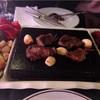 カザフスタンでは馬肉を焼いて食べる