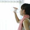食前に水とか炭酸水を飲むのが最も手軽なダイエットだけど、まあ流行らないよね