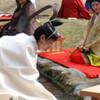 【動画】曲水の宴が太宰府天満宮で行われる。その上流には王羲之さんがいますよ