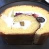 ●ニューオータニのフルーツロールがオススメ〜総理はカツカレー、官房長官はパンケーキ、僕はロールケーキ〜