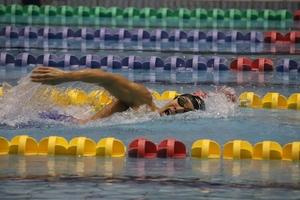 【パラQ&A】障がいによって泳ぎ方もルールも変わる~水泳①