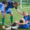 なぜ疲労が高まると傷害発生率があがるのか?(若年選手が疲労状態に陥ると床反力に耐える能力が低下、筋活動が低下することで、骨に加わる負荷が増大することを示唆している)