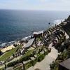 海沿いに建てられた断崖絶壁の石造りの劇場のミナック・シアターとポスカーノ・ビーチのガイド【コーンウォール(イギリス)の観光ガイド】