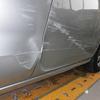 プレマシー(スライドドア・リヤフェンダー他)キズ・ヘコミの修理料金比較と写真 初年度H17年、型式CREW