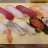万代の立ち食い寿司で久しぶりに握りを食べる