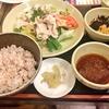 ファミレスで夜ご飯。サラダがおすすめのジョナサンで新メニュー野菜と豚冷しゃぶのとろろご飯膳&盛岡冷麺とメニュー紹介!