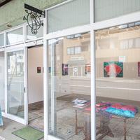 【金沢】子育て中のアーティストを応援!ガラス張りの小さなギャラリー「ひいなアクションgallery」をご紹介♪