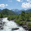 初夏の伊折橋から:剱岳を望む絶景ポイント