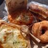 金沢市額谷にあるパン屋こくうで、念願のドーナツの他、クロックムッシュ、焼きカレーパン、いつものあんバター、くるみ食パン。