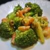 ブロッコリーと海老のサラダ、ハニーマスタード風味