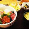 【海鮮丼 日の出 薬院本店】種類が豊富で新鮮な「海鮮丼」に満足できる人気のお店