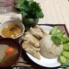 【今日の食卓】カオ・マン・ガイ(鶏肉ご飯、海南鶏飯、Khao Man Kai)~酸味が利いたタレが美味しい