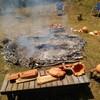 縄文土器の制作 粘土での形を作る 磨く 野焼きは本日体験!