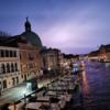 【ベネチア旅行】夜のスカルツィ橋から見る、稲光に照らされたサン・シメオン・ピッコロと夜のベネチア