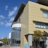 飛騨市図書館を訪れる