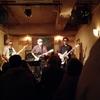 """silver backs・・・往年の洋楽名曲をカバーして楽しんでるバンド。4月21日、2度目のライブ演ります。バンドの名前は故初代リーダーが付けられたもので """"年老いた猿の背中は銀色の毛で覆われる"""" ということかららしい。 - バンドやめれん -"""