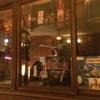 【Hôtel Grand Amour】愛のホテルのレストランで巨大肉塊に食らいつく!!:【パリ通信】その25
