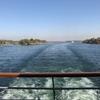 エジプト 「ナイル川クルーズ」 ルクソールからアスワンへ、広い川幅 中洲で放牧「エスナの水門」たくましい物売りボート