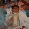 【NICU】修正35週瓶哺乳開始、生後35日目初授乳。鼻カニューレに変更。