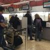 バラハス空港でチェックインを済ませ、ラウンジへ
