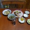 幸運な病のレシピ( 243 ) 夜:レバニラ、モツ炒め、エビ入りサラダにカイワレ、汁は仕立て直し