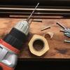 電動ドリルで下穴の深さを専用器具を使わず一定にする方法