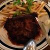 渋谷ヒカリエ11階のカジュアルイタリアンで、ジャックダニエルストレートを飲みながら、ジャージー牛のステーキを食べる。
