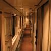 この1枚から 静寂の空間・B個室寝台の廊下
