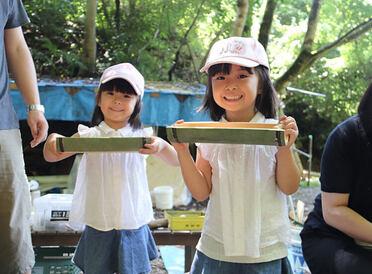 親子で自然を遊びつくす。「子育て応援クラブ」夏休み特別イベント第2弾 里山体験レポート