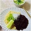 豚肉+夏ゴボウ+ショウガ+空芯菜、こぼれ梅で甘み付けした変則的ジャージャー麺