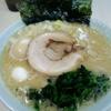松華家@埼玉県東松山市の『醤油豚骨味玉ラーメン』が王道美味い