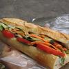 都立大学の「トシ・オー・クー・デュ・パン」で野菜のサンド、パテ・ド・カンパーニュのサンド、フィセルミモレット、ルヴァン・レザン。