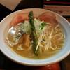 尼崎市南塚口町1「麺69 チキンヒーロー」