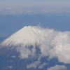 今年最後のフライト羽田ー伊丹往復。伊丹空港ダイヤモンドプレミアラウンジはどのようなものだったのか。