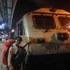 やって来ましたムンバイ!まだまだ続く、列車内で会ったインドの若手ビジネスマンたち。