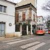 リスボンのトラム28番とビカのケーブルカーに乗る