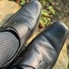 紐の革靴、辞めました