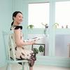一人暮らしを寛ぐリクライニング座椅子。女子にも人気