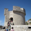 城壁の上から見たクロアチアのドブロクニク旧市街