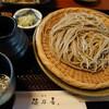 れんこん畑が広がるのどかな立地で美味しい蕎麦。金沢市金市町にある穂乃香でえび天せいろ大盛と炙り鯖寿司。