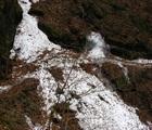大雪山で滑落事故(村雨の滝)救助隊のリスクと残雪の渓谷の怖さ