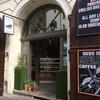 プラハの聖ミクラーシュ教会近くの隠れ家風カフェ