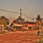 「シェムリアップ(Siem Reap)」の街外れの夕刻の風景 ~シェムリアップ川沿いをのんびりと歩く!!